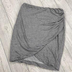 Alice + Olivia Air Arminda Faux Wrap Skirt - sz M